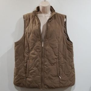 Avenue women's tan quilted vest